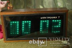 Elektronika 7 Soviet Vintage Digital Nixie Tube Horloge En Bois Urss 1986