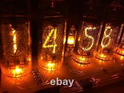 Horloge Et Calendrier Assemblés De Tubes De Nixie. Desk Clock Vintage In-14 Cadeau Soviétique