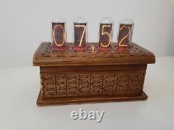 In18 Nixie Tubes Horloge En Artisan Boîtier En Bois Par Monjibox