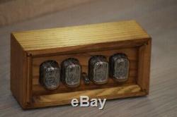 In-12 Boîte Retro Vintage Nixie Clock Tube. Main Chêne Doré