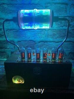 Nixie Horloge In-14 Tube. Un Steampunk. Rgb Lit 30000 Volt Vacuum Capacitateur
