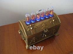 Tubes Nixie Clock In14 Et Led Rgb En Laiton Vintage Case Par Monjibox Nixie