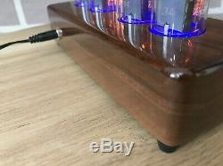 Zm1042 Nixie Horloge Avec Des Tubes Comme Z566m Z568m In-18 Fait À La Main Et Unique